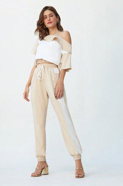 Conjunto de calça e blusa detalhe babados bege e off white Skazi Sclub