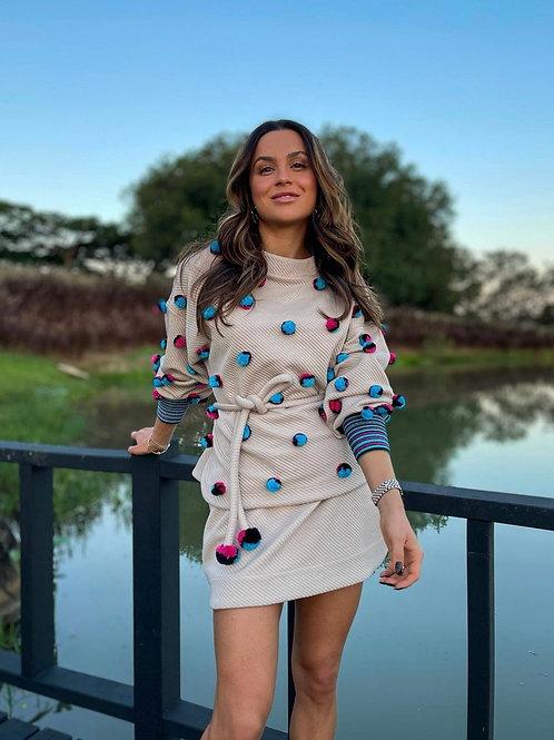 Blusa Pull texturizada com pompons coloridos Skazi bege Juju Norremose