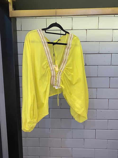 Blusa detalhe amarração manga bufante amarela PatBo