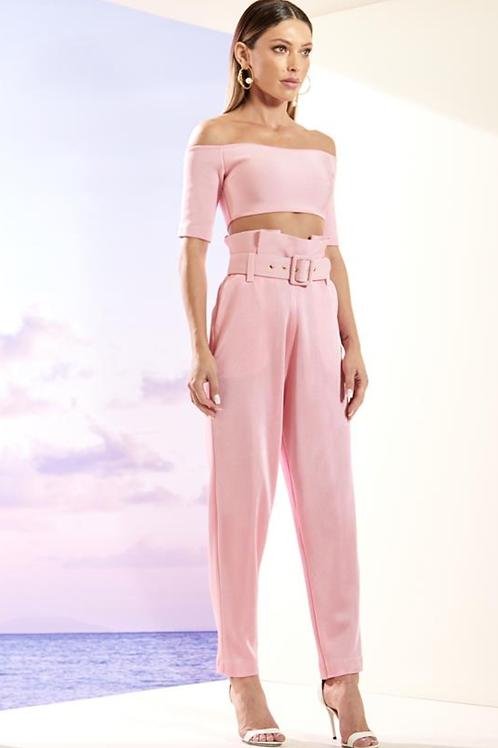 Conjunto em bandagem cropped e calça clochard e cinto Skazi rosa