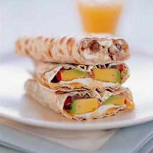 Egg__avocado__spinach_and_tomato_wrap_Hi