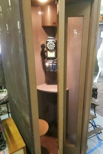 40's phonebooth.jpg