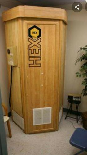 Hex Standup suntan bed - naural wood ext