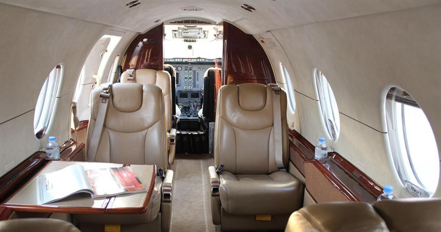 Hawker_400XP_3-1.jpg