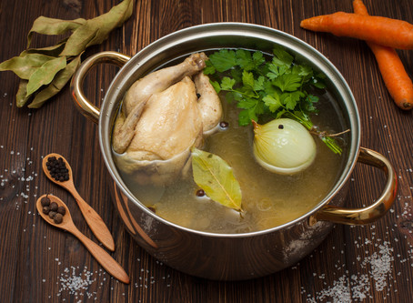 7 Reasons to Drink Bone Broth