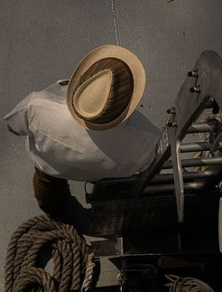 Man-with-hat-60x80.jpg