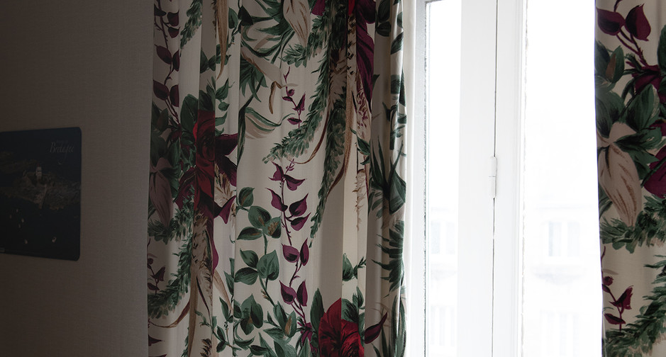 Hôtel Modern rideaux fleurs