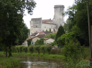 🗿 Château médiéval de Bourdeilles