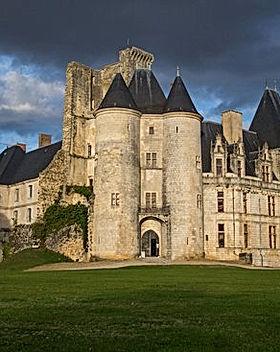 chateau-de-la-rochefoucauld.jpg