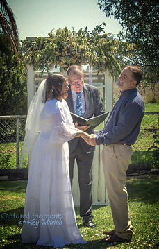 Outdoor wedding ceremony with Celebrant-Glyn-Robinson