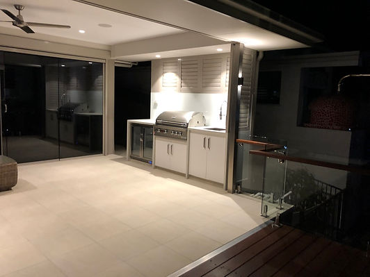 Brisbane northside builders Toby Drew homes create outdoor living spaces, alfresco areas and entertaining areas including new timber decks and patios.