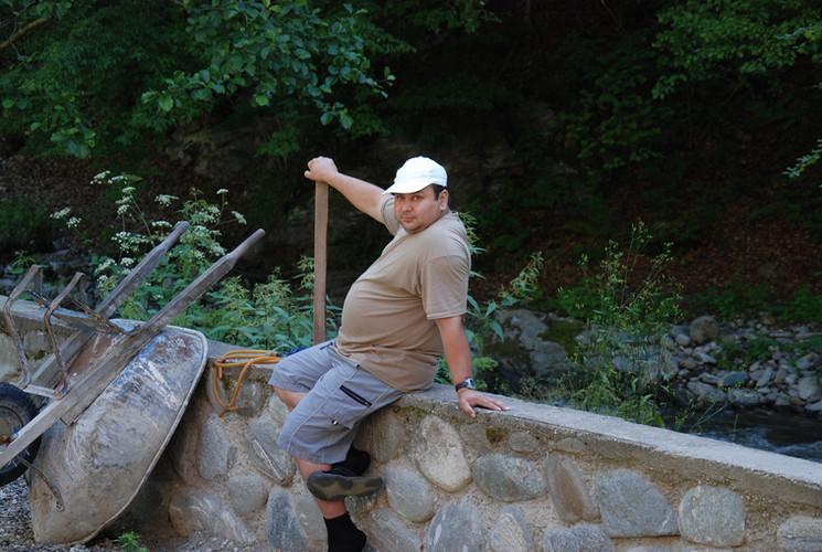 Dan with shovel.JPG