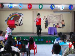 2015.11.24 Show Orfanato Hogar De Esperenza Salaverry, Trujillo, Peru 2 bis