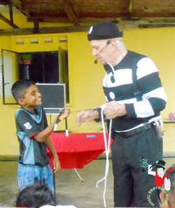2017.10.22 Show MBW Hope Children Centre Rumah Anak Yatim Orphanage Melaka Malaysia 6 bis