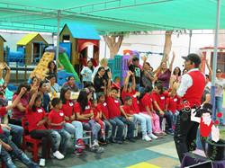 2015.12.15_Show_Voluntariado_Colegio_Fleming_con_los_niños_del_Hogar_Casa_de_Tutti_(CAEF),Trujillo,_