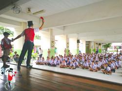 2017.08.21 MBW Show Koom Nong Koo Public School Khon Kaen 3 bis