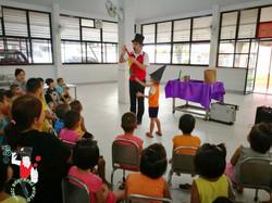 2017.08.28 MBW Show Kan Tong Orphanage Khon Kaen 4 bis