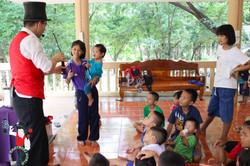 2017.07.07 Show Bann Luk Rook Orphanage Khon Kaen Thailand 2 bis
