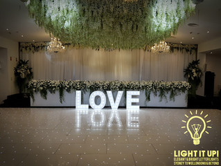 Wedding - Grand Paradiso - LOVE sign