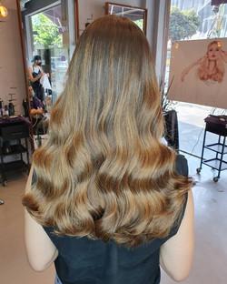 גווני שמש חומים גוונים בשיער טבעיים