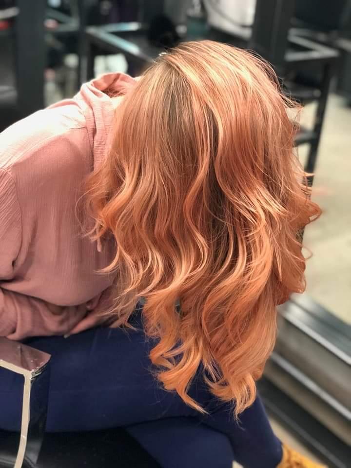 גוונים ורודים בשיער