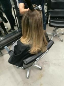 אומברה בלונד אפור לשיער שטני