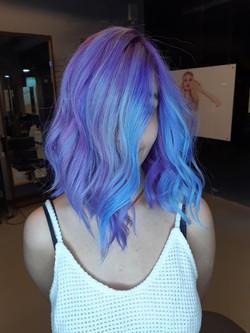 שיער כחול גוונים כחולים בשיער