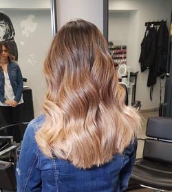 אומברה בלונד לשיער שטני