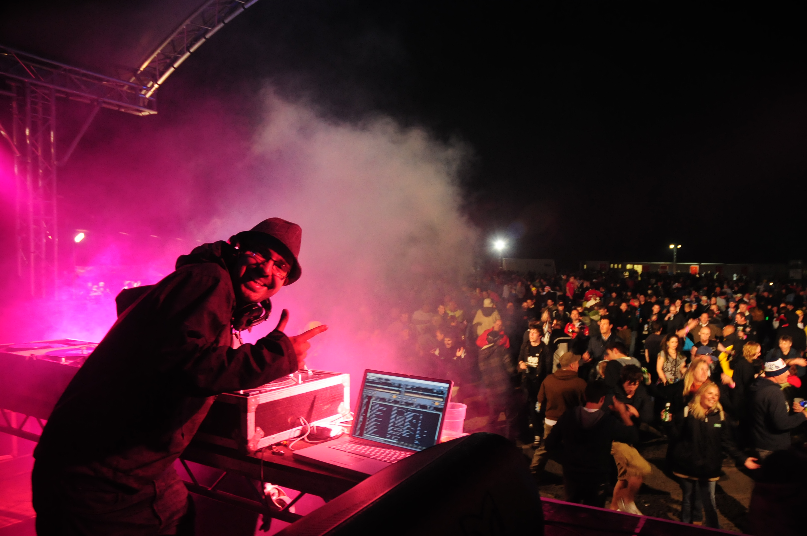 DJ Frenic, wowing the crowds !