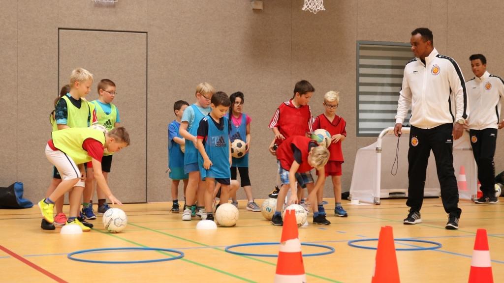 Dynamic-Soccer-School_Fußballschule_Fußballcamp (4)
