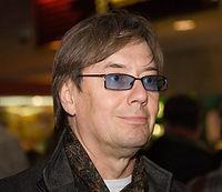 ВЛАДИМИР АРКАДЬЕВИЧ ЕРЁМИН советский и российскийактёртеатра, кино мастер озвучивания;сценарист, продюсер, телеведущий.