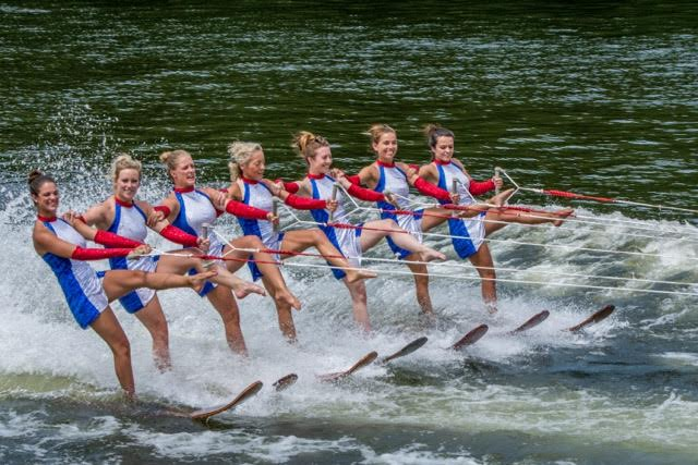 9.waterski show 01