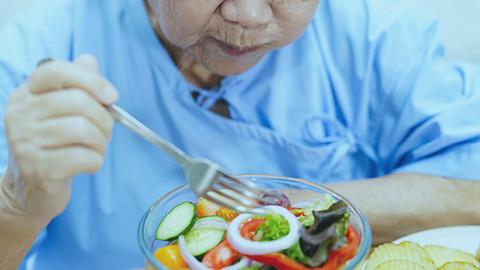 Você sabe qual a importância do cálcio para idosos?