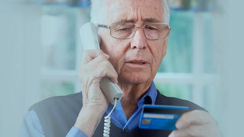 Golpes em idosos: quais são os mais comuns?