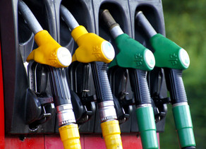 4 Fuel Card Benefits for Truck Drivers