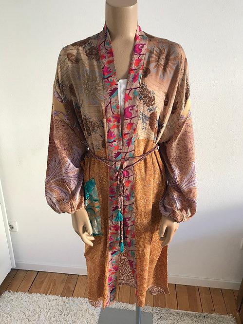 "Kimono ""Maya"" aus 6 Saris"