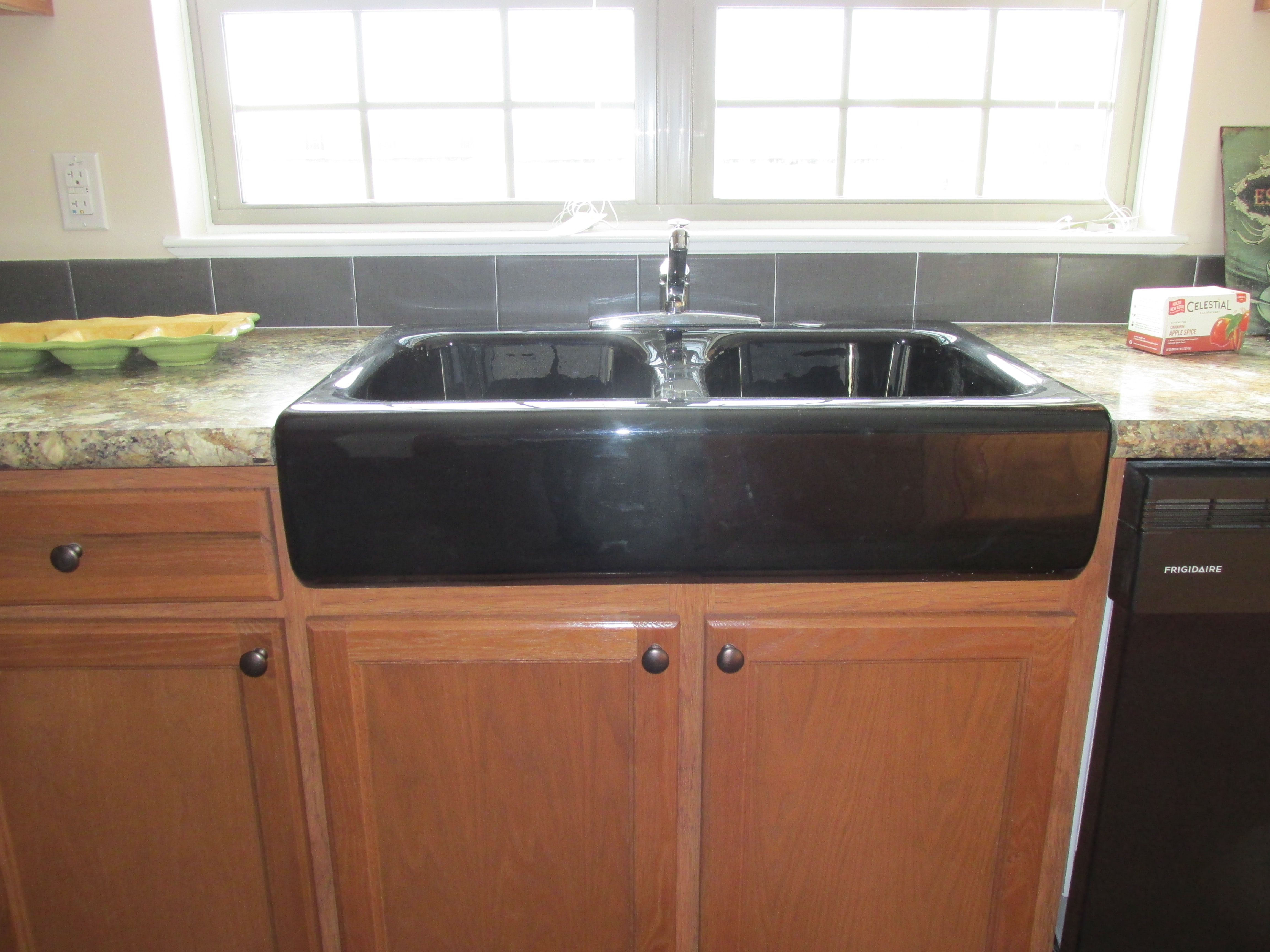 429 Black Farmer Sink