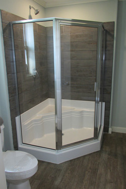 Corner Shower with Seat in MBath