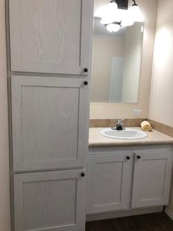 Guest Bath with 3 Door Pantry