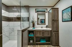 250xs16602f_master_bathroom_545_1