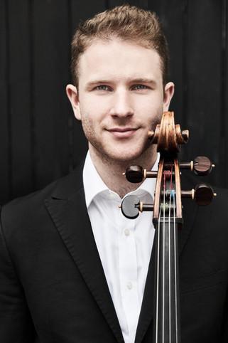 World-Premiere of the New World Cello Concerto