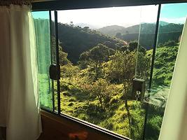 Chalé_com_vista_para_a_montanha.jpg