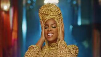 """Kelly Rowland """"HITMAN"""""""