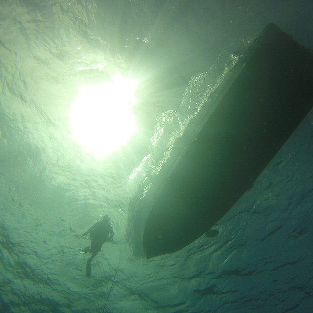 dive-boat