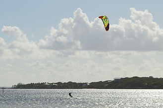Roatan-Kite-Wind-surfing Tortuga-dive-center.JPG