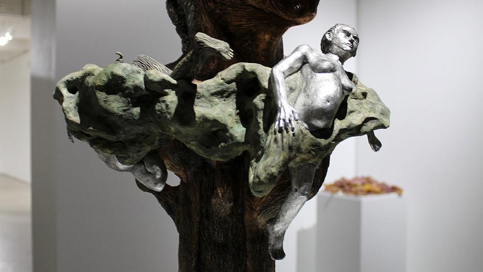 Resurrection, At Pythonisa's sacred Oak tree