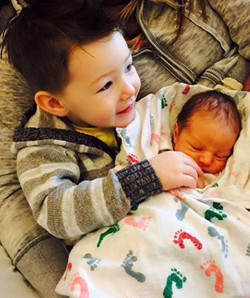 Hudson and his new brother, Hayes.