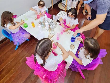 Looking for a Slime Party for your little one?