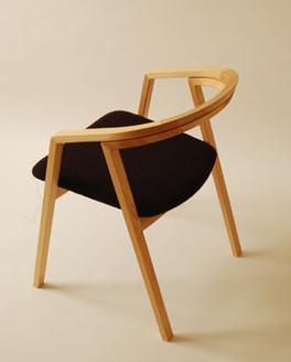 item_uu_chair.jpg