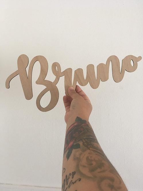 Nombres personalizados en madera